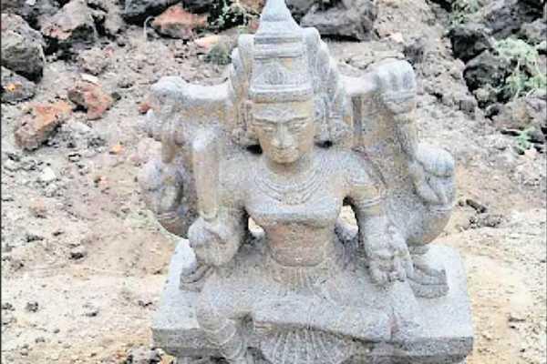 amman-statue-found-at-vedaranyam