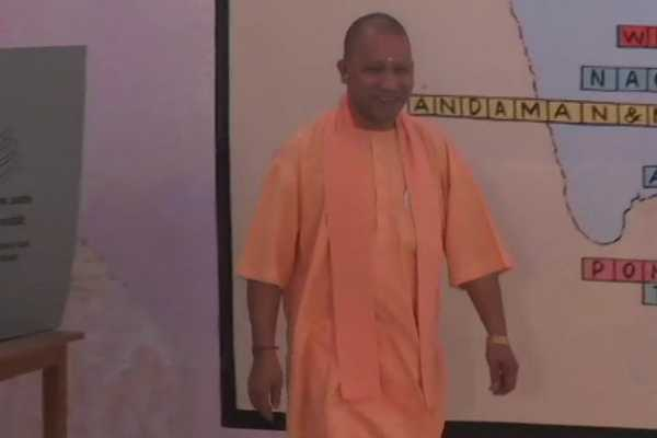 uttar-pradesh-chief-minister-yogi-adityanath-castes-his-vote-in-gorakpur