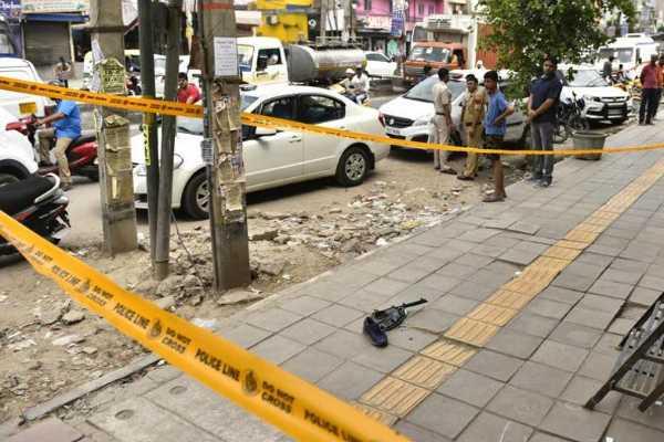 2-shot-dead-inside-car-in-busy-traffic-in-delhi-gang-war-police