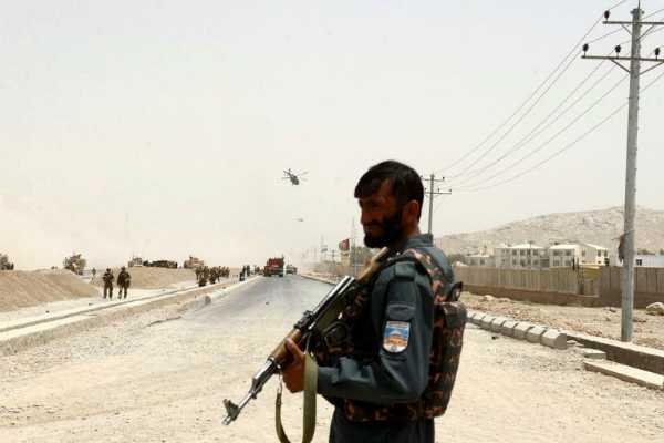 gunmen-hit-kabul-checkpoint-kill-3-police