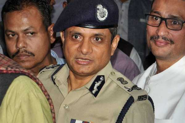 supreme-court-declines-to-extend-protection-from-arrest-to-former-kolkata-police-commissioner-rajeev-kumar