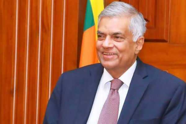 tourists-are-invited-by-ranil-wickramasinghe