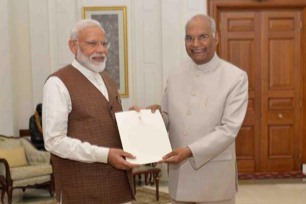 narendra-modi-calls-on-president-to-form-government