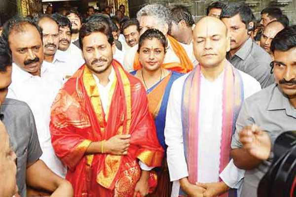 jagan-off-to-tirumala-before-taking-oath-of-office