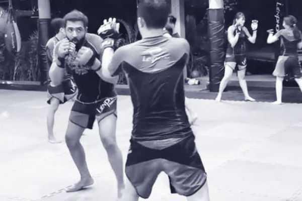 arun-vijay-s-boxing-video
