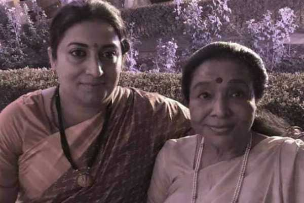 asha-bhosle-praises-union-minister-smriti-irani-for-helping-her