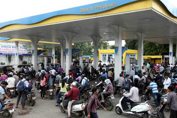 without-helmet-petrol-won-t-be-supplied