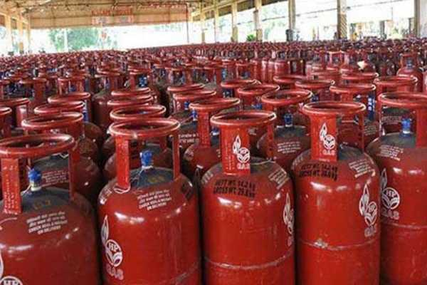 new-modi-cabinet-to-expand-ujjwala-scheme-provision-of-booking-small-lpg-cylinders-made