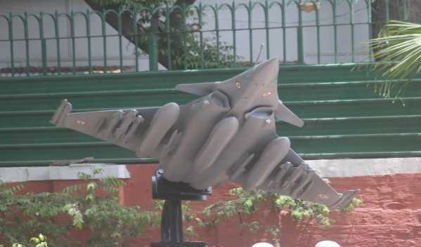 iaf-erects-rafale-replica-outside-air-chief-s-house-bang-opposite-congress-hq