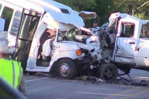 13-killed-in-van-truck-collision-in-pakistan