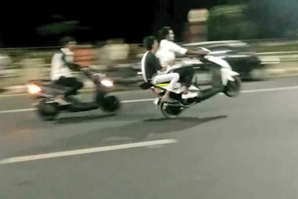 bike-race-in-chennai-police-warning