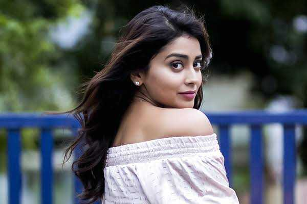 shriya-was-caught-in-controversy