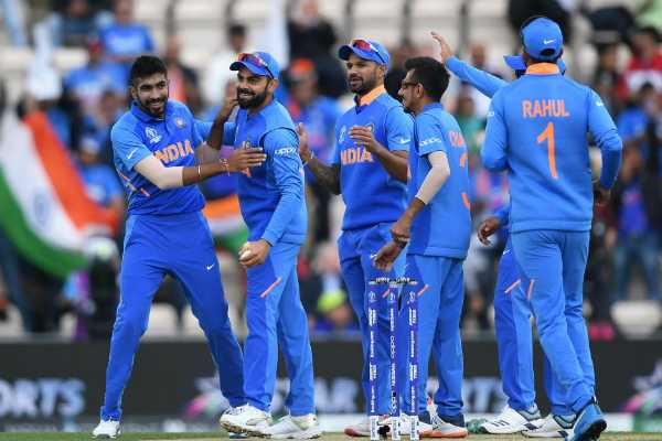 indian-team-s-great-bowling-south-africa-run-away