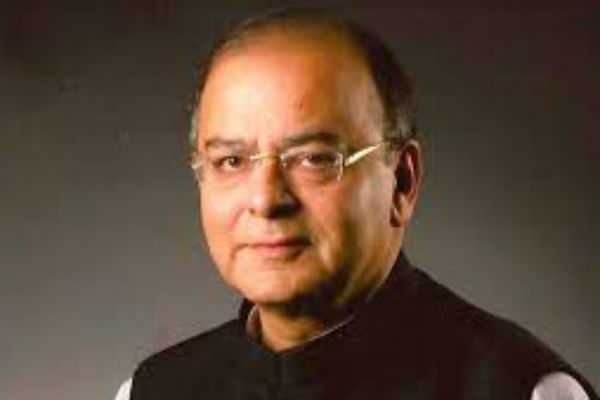 ex-minister-arun-jaitly-vacates-government-bungalow
