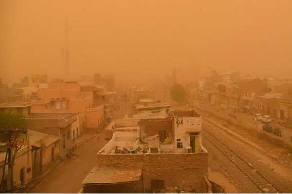 13-killed-21-injured-due-to-dust-storm-lightning-in-up