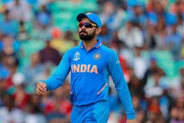 virat-kohli-fined-rs-500-for-washing-car-with-drinking-water