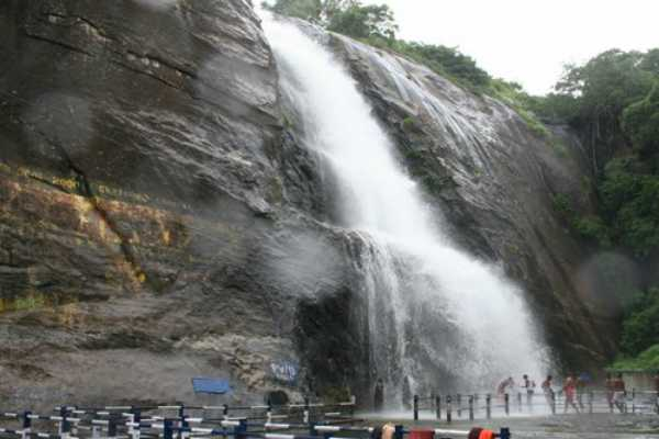 forbidden-to-bathe-in-the-waterfall-in-kuttralam