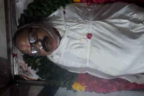 bjp-leader-ganeshan-is-tribute-to-crazy-mohan-s-body