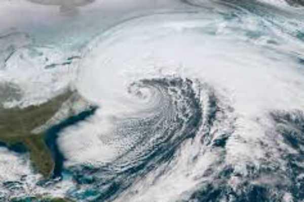 cyclone-vayu-will-hit-coastal-gujarat