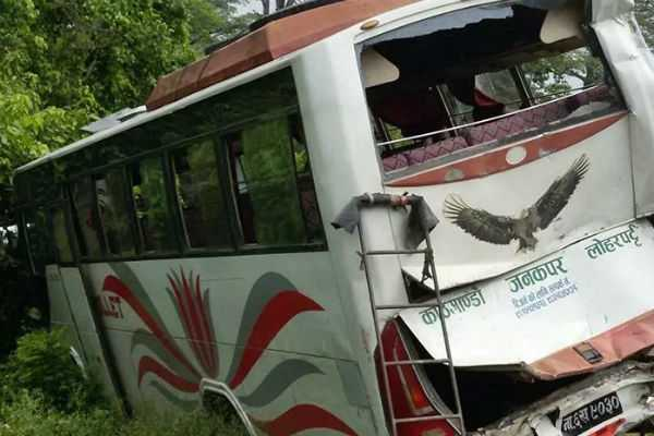 nepal-bus-accident-2-dead-21-injured