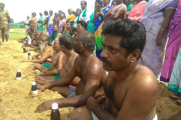 farmers-struggle-to-open-water-in-cauvery