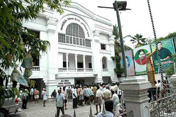 admk-persons-will-not-give-press-meet-until-the-next-announcement