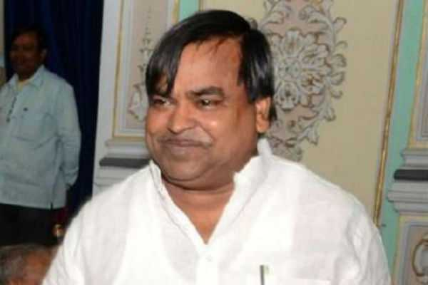 cbi-raid-at-22-places-that-owned-by-up-ex-minister-gayatri-prajapati
