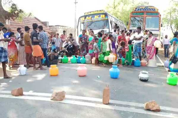 water-scarcity-people-are-in-protest-in-viralimalai