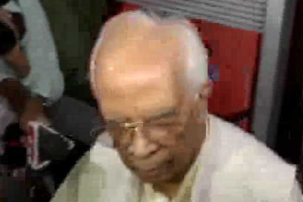 west-bengal-governor-keshari-nath-tripathi-i-have-tried-to-contact-the-cm-i-have-called-her