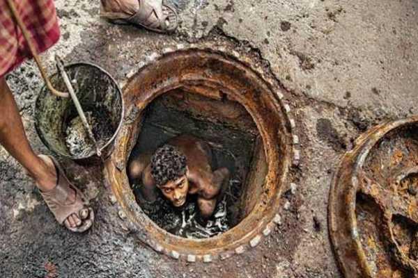 4-sanitation-workers-die-of-suffocation-in-gujarat-s-vadodara