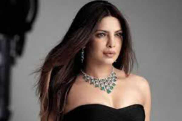 priyanka-chopra-released-sexiest-video