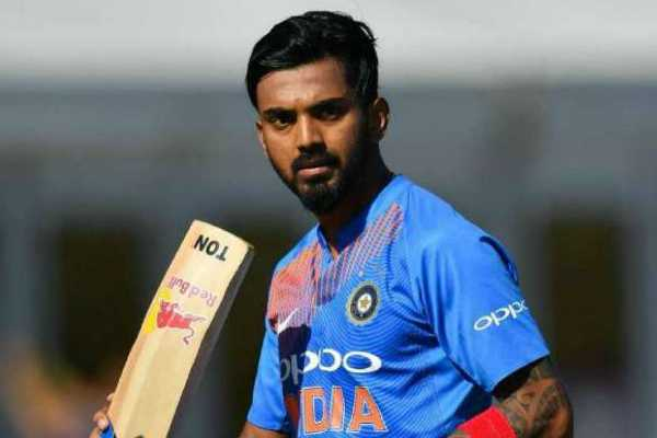 india-lost-the-first-wicket-kohli-banged
