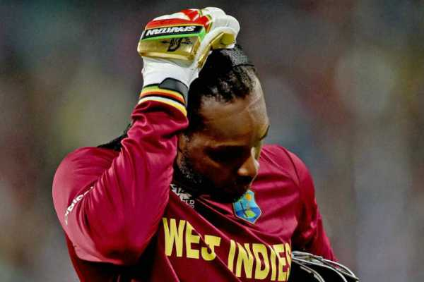 duck-out-gayle-with-13-balls-fans-shocked