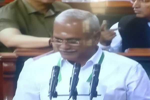 puducherry-congress-mp-vaithilingam-takes-oath-as-ls-mp