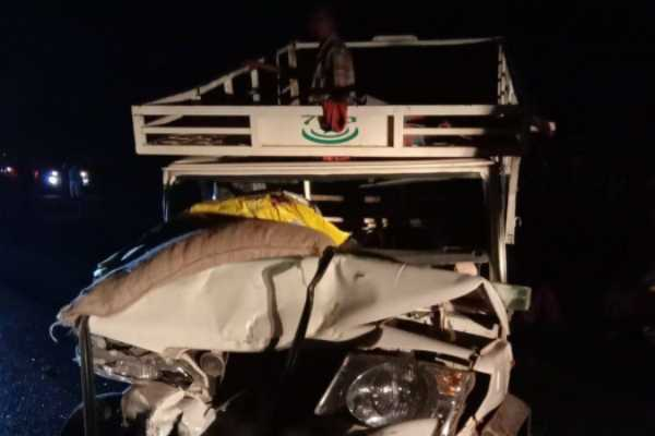 5-killed-over-12-injured-in-van-collision-in-chhattisgarh