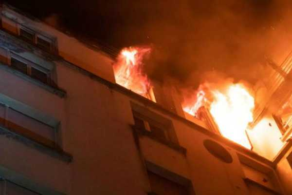 fire-at-10-storeyed-building-in-delhi-100-residents-rescued