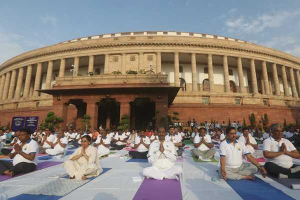 lok-sabha-speaker-om-birla-takes-part-in-international-day-of-yoga-celebrations