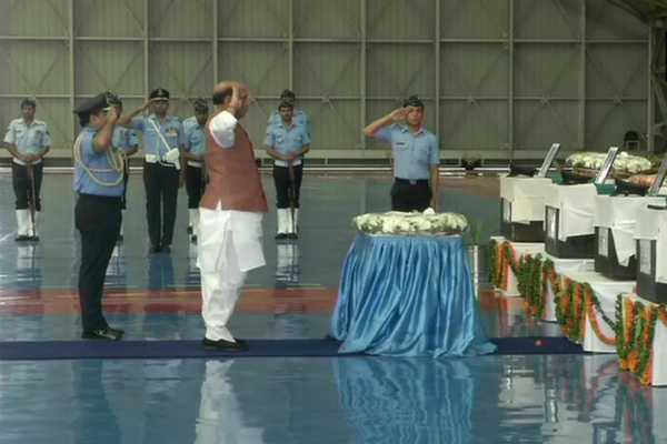 rajnath-singh-pays-homage-to-13-iaf-personnel-killed-in-an-32-crash