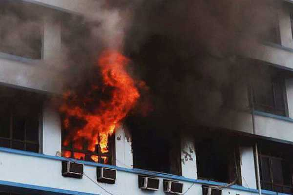 fire-breaks-out-in-high-rise-building-in-wadala-15-suffer-from-suffocation