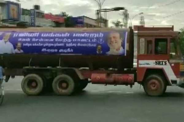 rajinikanth-s-organisation-supplies-water-to-parched-chennai-amid-severe-water-crisis-but-dmk-corners-state-govt-only