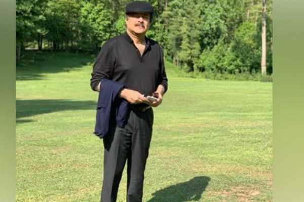 imran-khan-s-assistant-gets-brutally-trolled-after-putting-sachin-tendulkar-s-image-instead-of-pakistan-pm