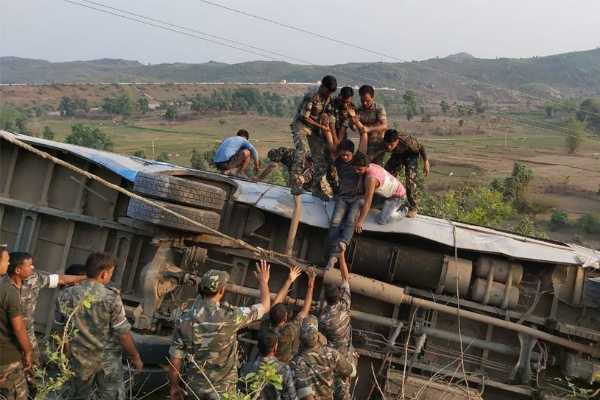 6-killed-43-injured-as-bus-falls-into-gorge-in-jharkhand