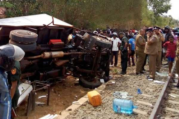 six-army-personnel-killed-in-kilinochchi-train-collision