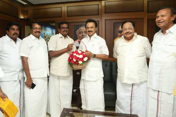 thanga-tamil-selvan-press-meet-after-joining-in-dmk