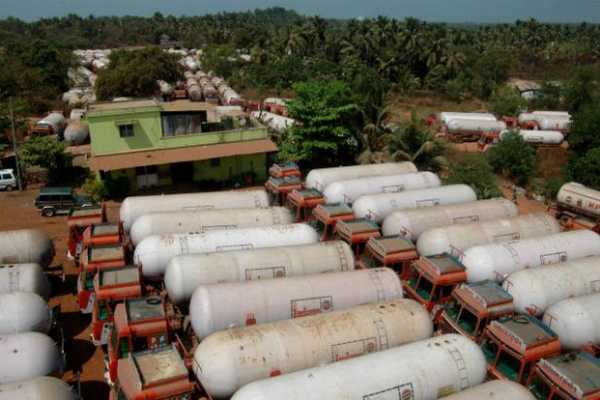 south-indian-lpg-tanker-truck-owners-protest-filed-a-petition-in-the-high-court