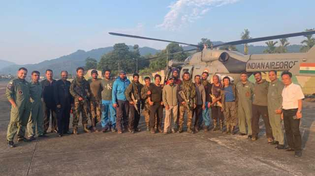 iaf-airlifts-stranded-rescue-team-from-an-32-crash-site