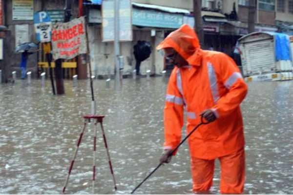16-dead-in-mumbai-heavy-rains