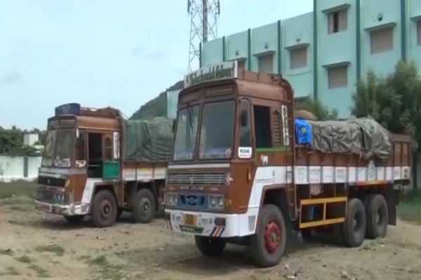 salem-sand-smuggling-2-trucks-seized
