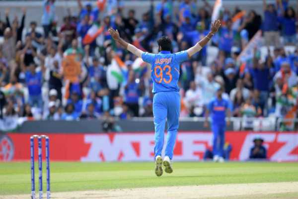 match-against-sri-lanka-do-you-know-what-dhoni-jadeja-and-bumrah-did