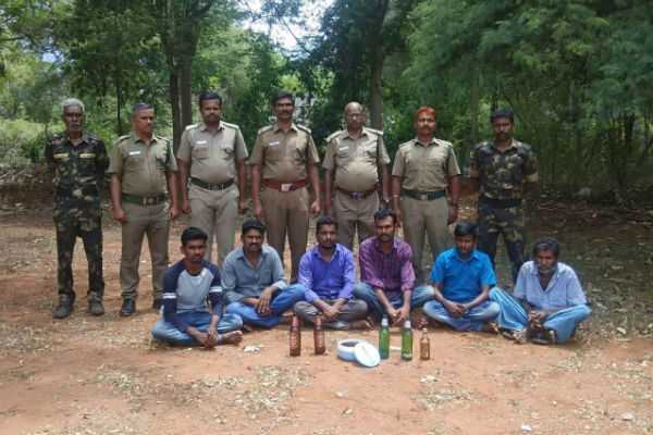 6-arrested-for-cooking-deer-curry